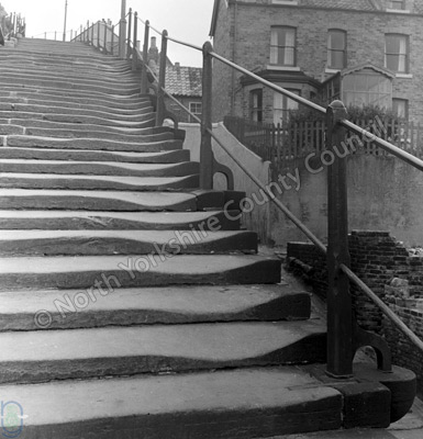 Whitby, Steps